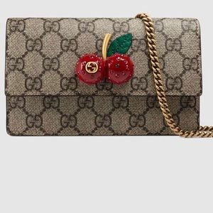 MAKE AN OFFER.... for Gucci cherry bag